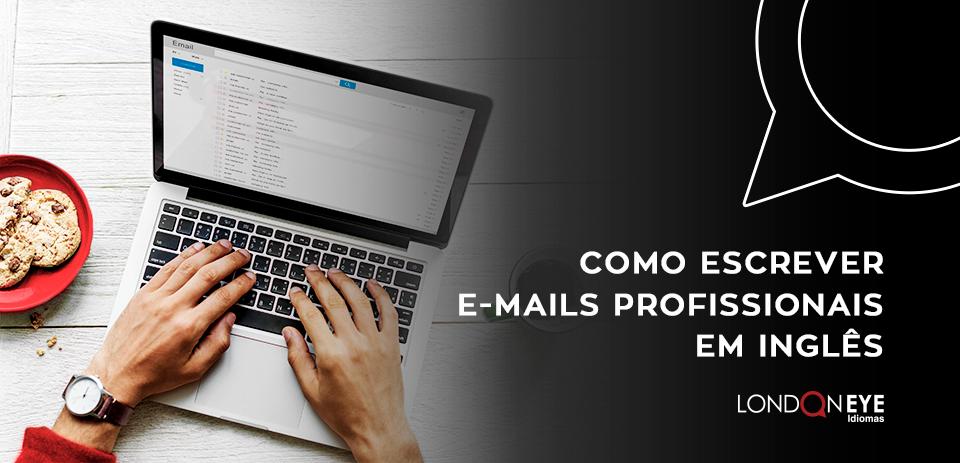 computador com escrita de e-mails profissionais em inglês